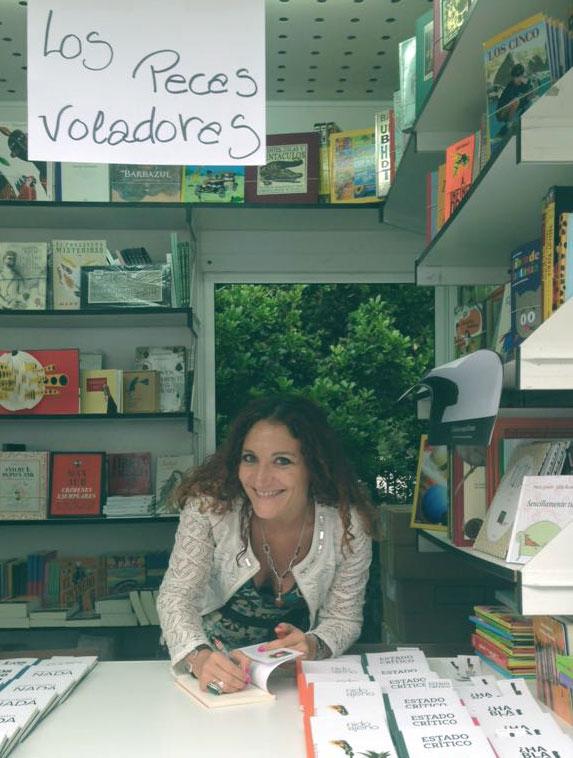Nuria Sierra biografía Firma Feria del Libro